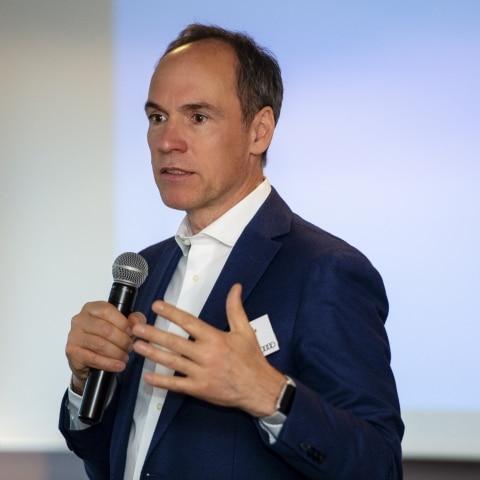 Christoph Keese bei einem Vortrag beim Premium Leaders Club